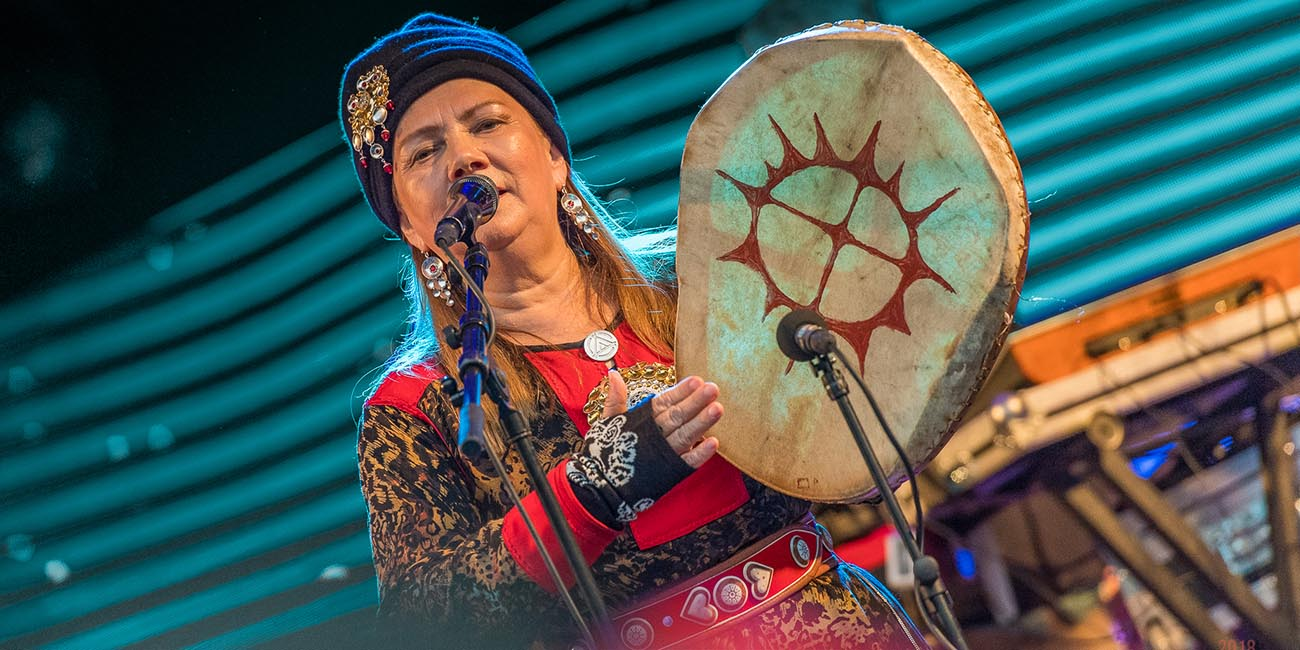 Mari Boine drums at Riddu riddu festival